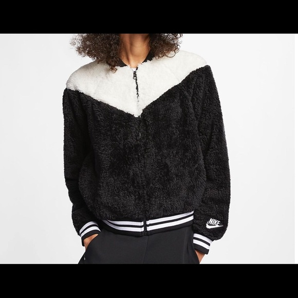 5a74b9e56 Nike Women's Sherpa Bomber Jacket